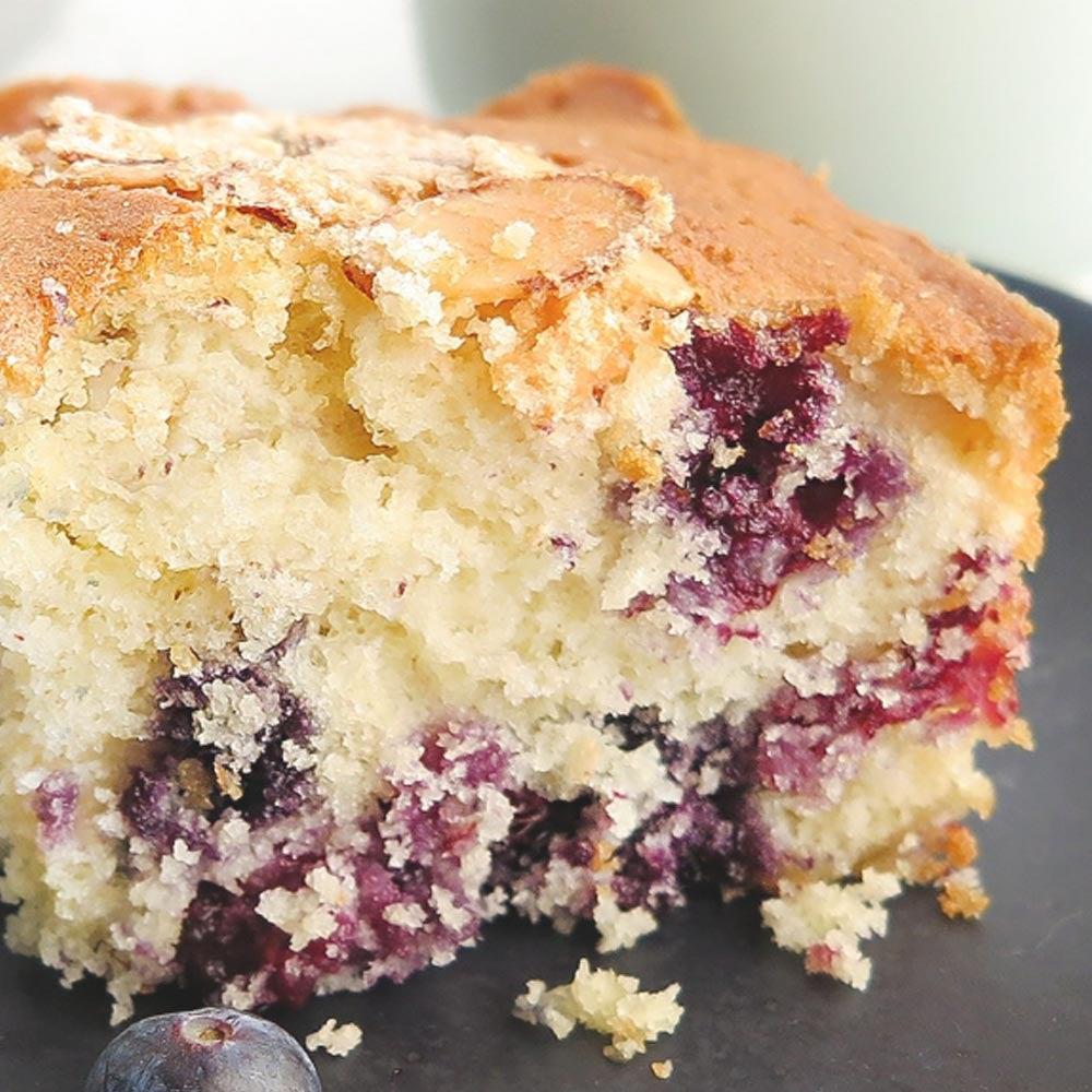 Gâteau au café aux amandes aux myrtilles