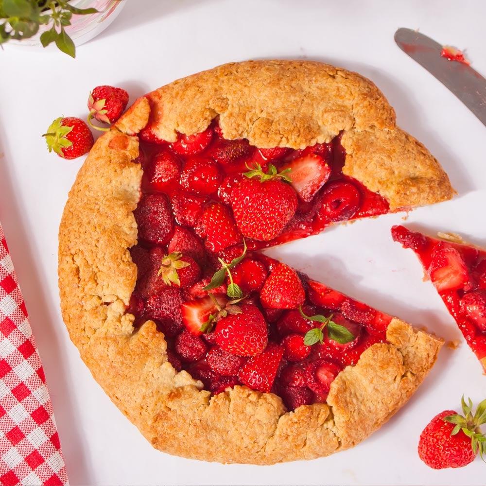 Tarte rustique fraise-amande