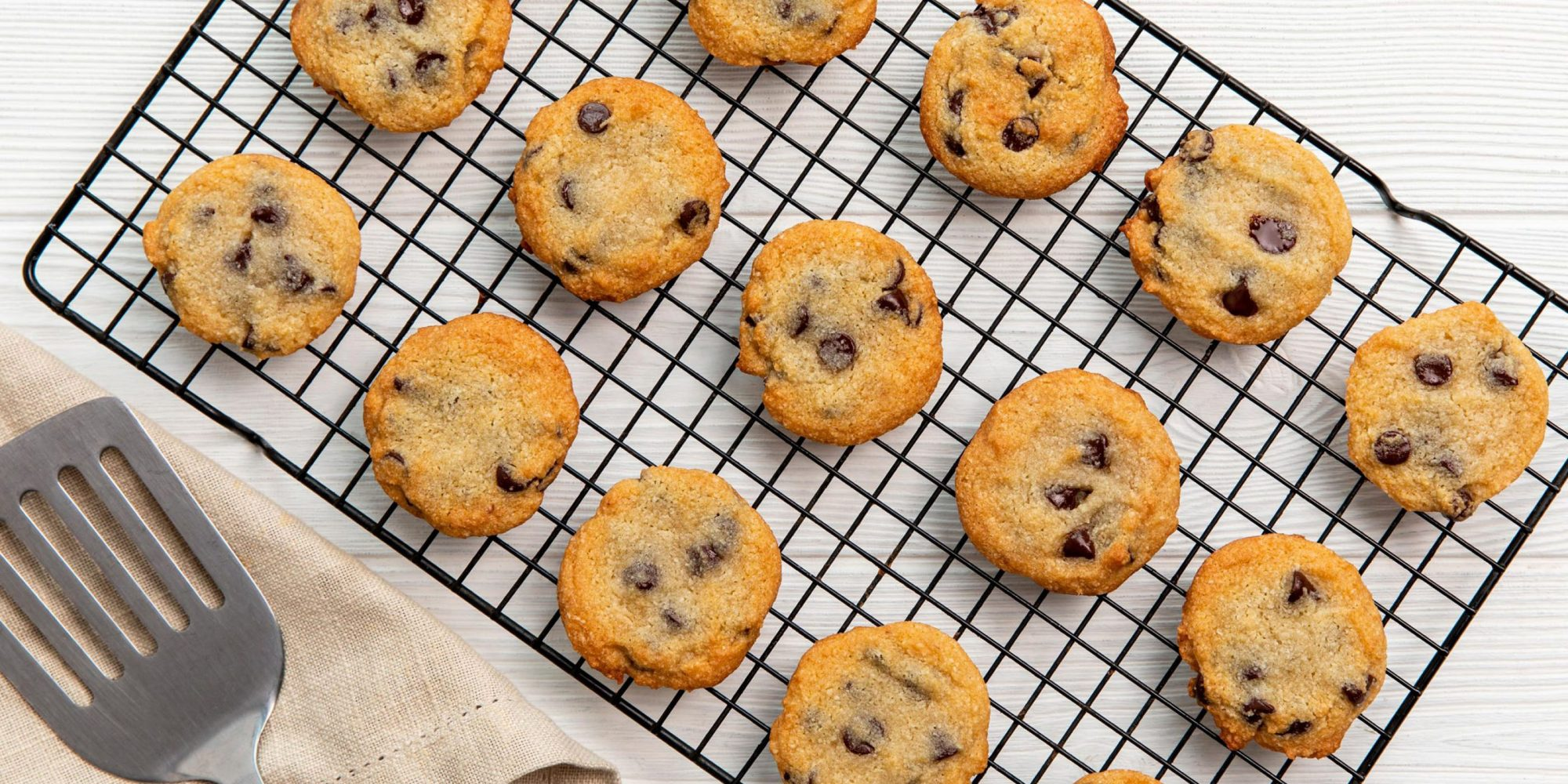 Keto Chewy Chocolate Chip Cookies